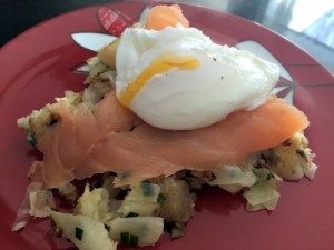 recipe for healthy diet poached eggs with salmon