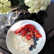 oats-fruit-chia-seeds-milk