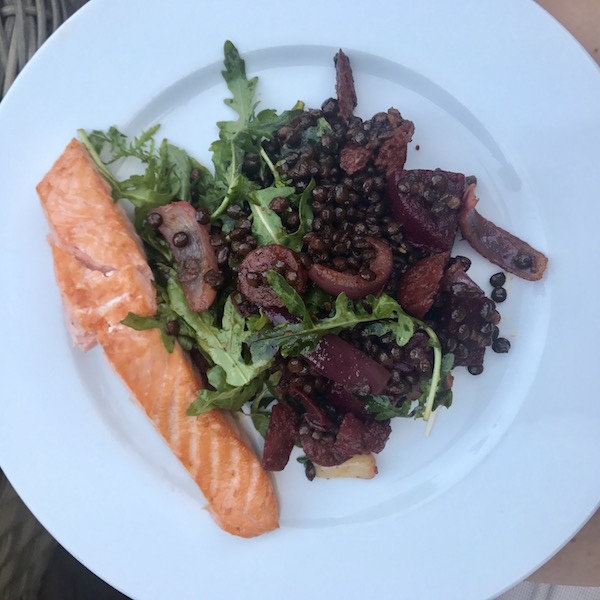 healthy-dinner-salmon-puylentils-beetroot-rocket